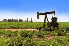 Szyb Naftowy Pumper. Obrazy Royalty Free