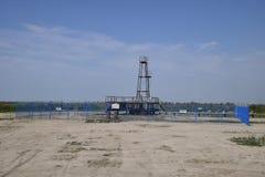 Szyb naftowy Technologie na polach naftowych i wyposażenie Obraz Royalty Free