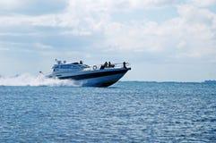 Szybka duża łódź obraz stock