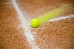 Szybka tenisowa piłka Obrazy Royalty Free