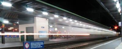 szybko nocny pociąg Zdjęcia Royalty Free