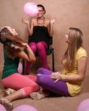 szybko się zwiększać dziewczyny bawić się trzy zdjęcie royalty free