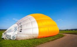 Szybko się zwiększać z gorące powietrze balonem w Niemcy koszu 22 09 2 Zdjęcie Royalty Free
