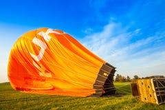 Szybko się zwiększać z gorące powietrze balonem w Niemcy koszu 22 09 2 Zdjęcia Royalty Free