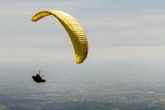 Szybowiec up w niebie podczas komarnicy z kampanią Belo, Zdjęcia Royalty Free