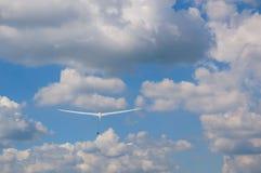 Szybowiec w niebie z winch sznurem Zdjęcie Royalty Free