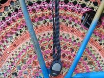 Szydełkująca żakiet ochrona na rowerze obraz stock
