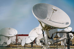 Szyk anteny satelitarne obrazy stock