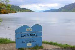 Szyldowa deska dla Loch Ness zdjęcie stock