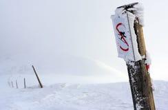 szyldowy ograniczenia narciarstwo Zdjęcia Royalty Free