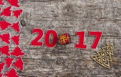 Szyldowy symbol od liczby 2017 na starego retro rocznika stylu drewnianym b Zdjęcia Royalty Free