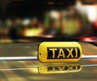 szyldowy taxi Obraz Royalty Free