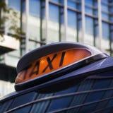 szyldowy taxi Fotografia Royalty Free