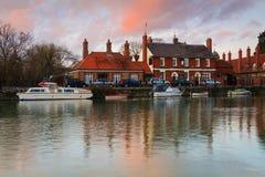 Támesis en Abingdon cerca de Oxford, Reino Unido Fotos de archivo libres de regalías