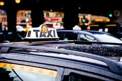 Táxi na cidade de Éstocolmo Imagem de Stock Royalty Free