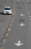 Táxi na estrada Foto de Stock Royalty Free