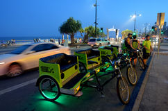 Táxis do riquexó de ciclo em Gold Coast Queensland Austrália Imagem de Stock