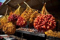 Tâmaras frescas no mercado de Jericho Fotos de Stock