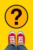 Tão muitas perguntas em Person Path novo Fotos de Stock Royalty Free