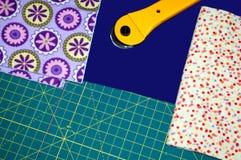 Täckematerial och bitande hjälpmedel Royaltyfria Bilder