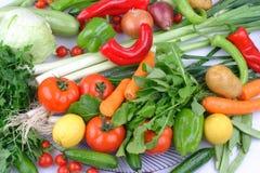 Tägliche Gruppe verschiedenes Obst und Gemüse stockfotografie