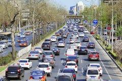 Täglicher Stau in zentralem Geschäftsgebiet Pekings, China Lizenzfreies Stockbild