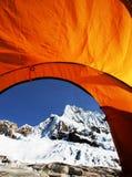 Tält i berg Royaltyfri Foto