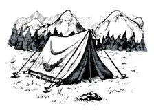 Tält i berg, berglandskap Arkivfoto