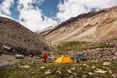 Tält i bergen Royaltyfria Bilder