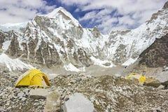 Tält i den Everest basläger, Nepal. Royaltyfria Bilder