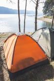 Tält i skogen Fotografering för Bildbyråer