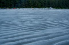 Tält och campare på stranden på ojämn punkt, Vancouver ö Royaltyfria Foton