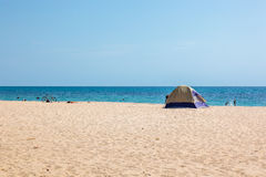 Tält på en strand Royaltyfri Bild