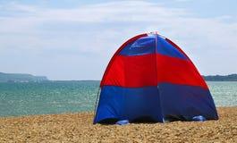 Tält på en strand Fotografering för Bildbyråer