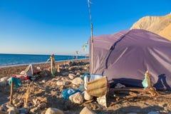 Tält på sjösidan Royaltyfri Foto
