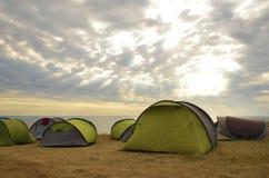 Tält på soluppgång, Black Sea, Bulgarien Arkivfoto