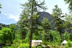 Tältstad på dalen av berg i Indien royaltyfria bilder