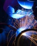 tänd mig-welder för blue close arkivfoton