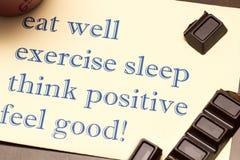 Tänk positivt, öva, äta väl, sömn - den bra begreppskänseln Royaltyfri Foto