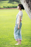 tänka för asia flickasommar Royaltyfri Foto
