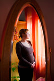 Tänka för gravid kvinna Arkivfoton
