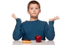 tänka för mat för pojke choice Royaltyfri Bild