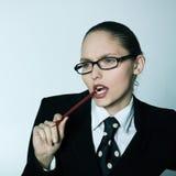 Tänkande affärskvinna arkivfoton