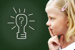 Tänkande barn för Closeup Fotografering för Bildbyråer