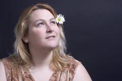 tänkande kvinna för blomma arkivbilder