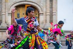 Tänzer an der Fiesta des Jungfraudes Guadalupe in Sucre stockfotografie