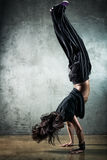 Tänzer der jungen Frau stockfotos