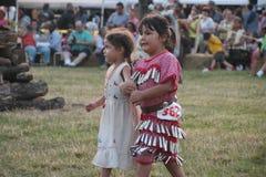 Tänzer des amerikanischen Ureinwohners an Kriegsgefangen-wow Lizenzfreie Stockfotografie