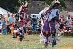 Tänzer des amerikanischen Ureinwohners an Kriegsgefangen-wow Lizenzfreies Stockbild
