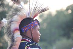 Tänzer des amerikanischen Ureinwohners an Kriegsgefangen-wow Lizenzfreies Stockfoto